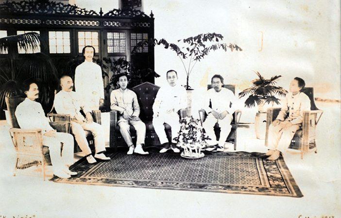 Foto Kongkow Para Penulis 100 Tahun Silam