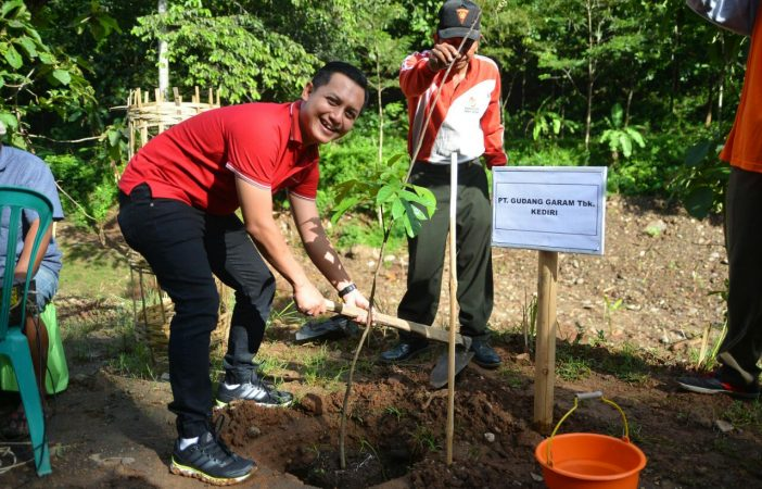 Menyelamatkan Lingkungan Embung Kalibago