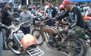 Motor made in CNN alias Cak Nono. (foto: Danu Sukendro)