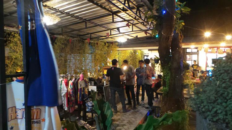 pameran barang vintage & secondhand yang pernah di selenggarakan di Kafe Idealist. (Foto: Idealist C&K)