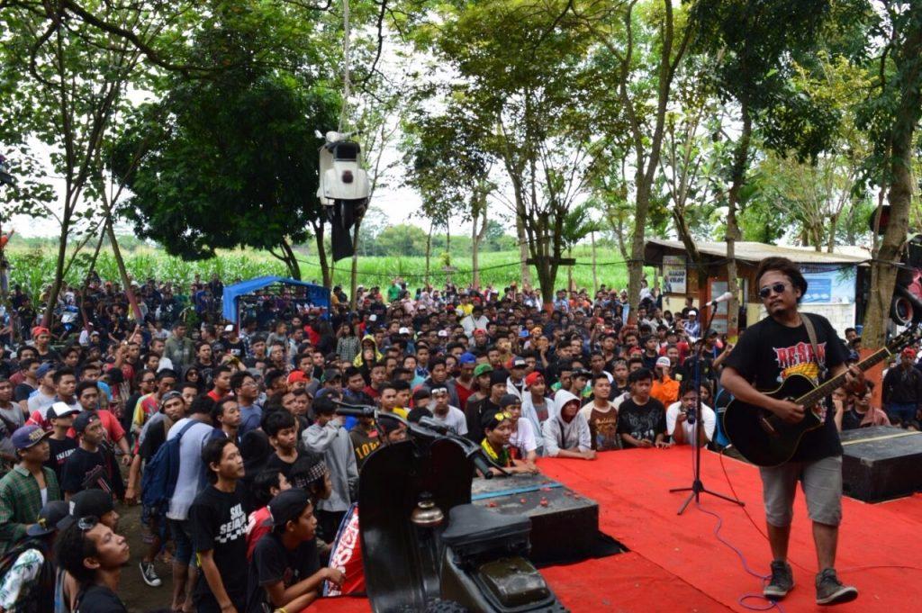 Keramaian Anniversary Resek di Sumber Mantenan | Foto : Muhammad Fahmi Idris